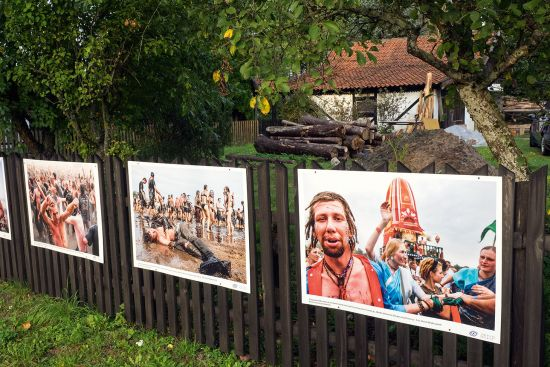 The annual photographic exhibition brings a dash of counterculture to the streets of Wojnowo (photo © hidden europe).