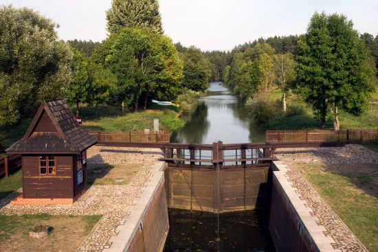 The Augustów Canal cuts a serene line through the borderlands of Belarus and Poland (photo © hidden europe).