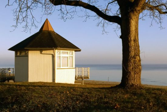 Early morning sunshine at Binz on the Island of Rügen, where this editorial was penned (photo © hidden europe).