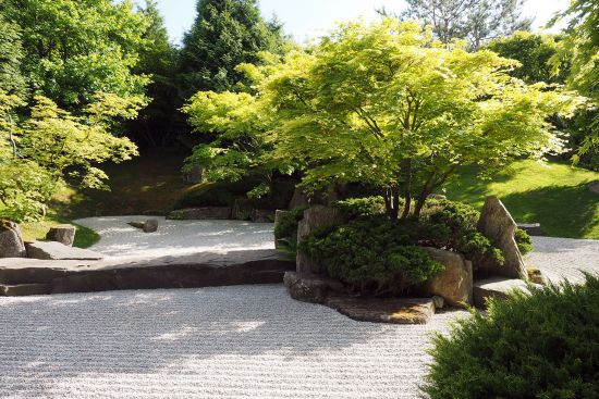Shunmyo Masuno's Japanese garden, based on Zen principles, in the Berlin suburb of Marzahn (photo © hidden europe).