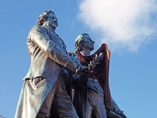 Most Weimar stories start and end with Goethe and Schiller, seen here in a pas de deux in the Thuringian town (photo © hidden europe).