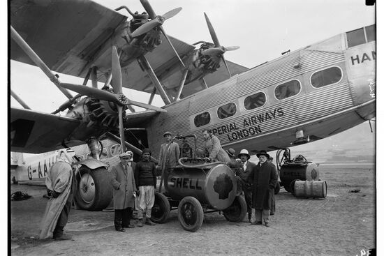 Imperial Airways plane refuelling in Semakh. The image was taken in 1931 and is part of the G Eric and Edith Matson Photograph Collection (Library of Congress, Prints & Photographs Division, LC-DIG-matpc-03063).