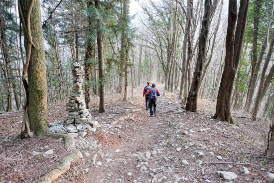 Hiking on the Juliana Trail near Most na Soči, Slovenia, not far from the confluence of the Soča and Idrija rivers (photo © Rudolf Abraham).
