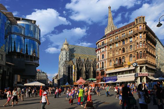 Stephansplatz in the centre of Vienna - an architectural medley of ancient and modern (photo © Pixcom / dreamstime.com).