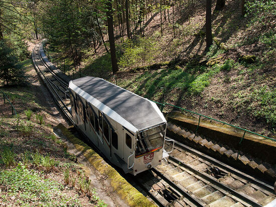 100 years old this summer: the funicular railway to the Café Diana in Karlovy Vary (photo © hidden europe).