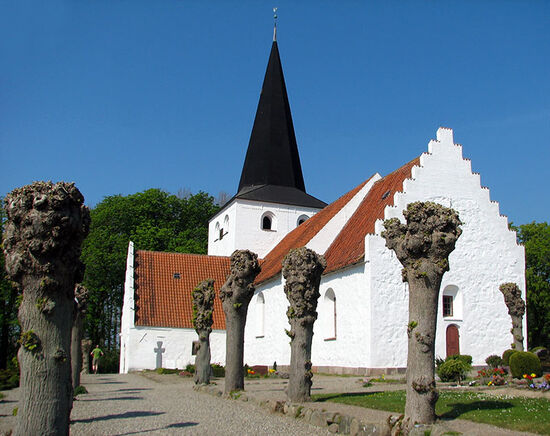 Church at Bregninge on the Danish island of Ærø (photo © Marieke van der Horst).