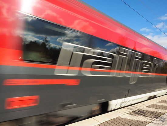Unusual motive power: the 18.08 train from Salzburg to Vienna is powered by Austrian lawyers (photo © Tomnex / dreamstime.com).