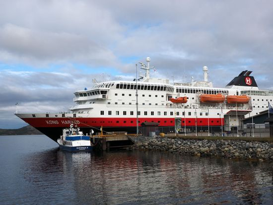 The Hurtigruten vessel MS Kong Harald in Kirkenes harbour, getting ready for its southbound journey on the Norwegian coastal voyage (photo © hidden europe).