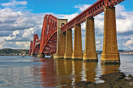 The Forth Rail Bridge (photo © Ian Whitworth / dreamstime.com).