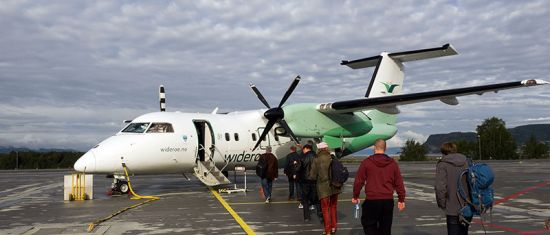 Widerøe plane at Trondheim Airport
