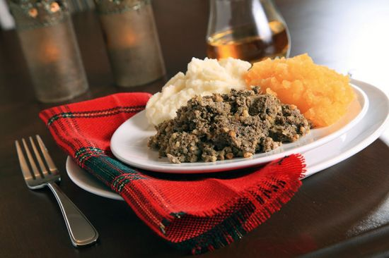 A taste of Scotland: haggis, tatties and neeps (image © Norman Pogson / dreamstime.com).