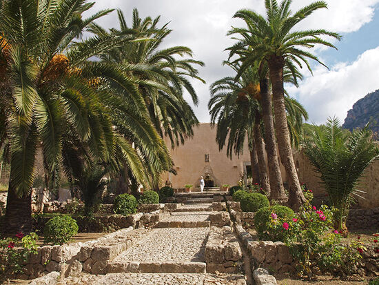 The gardens at Alfàbia on the island of Mallorca (photo © hidden europe).