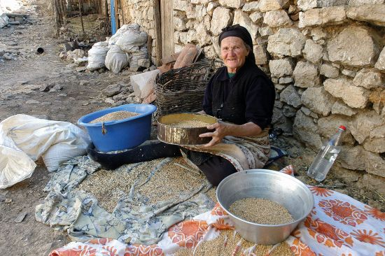 Village life in Lin, Albania (photo © Sophie Barta).