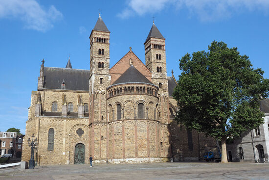 Roman Catholic Basilica of St Servatius at Vrijthof Square in the Old Town of Maastricht (photo © hidden europe).