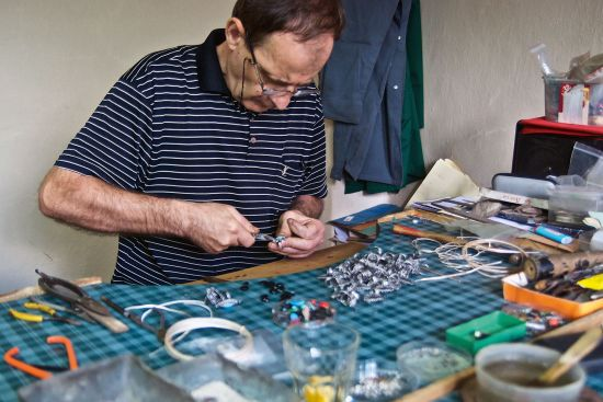 Bashkim at work in the studio at the Filigran cooperative in Prizren, Kosovo (photo © Emma Levine).