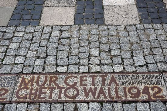 Visitors to Warsaw can chase the ghosts of the city's Jewish past by exploring the boundaries of the former ghetto (photo © hidden europe).