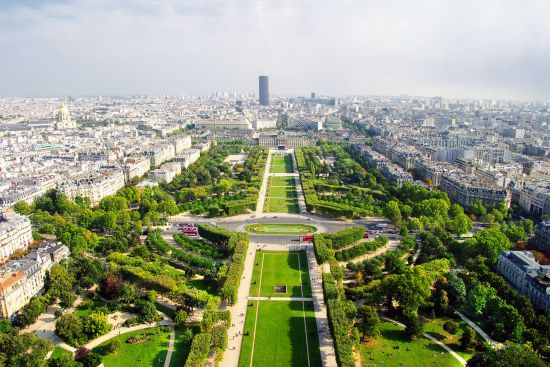 The Champs de Mars in Paris, site of the 1867 World Fair (photo © Freesurf69 / dreamstime.com).