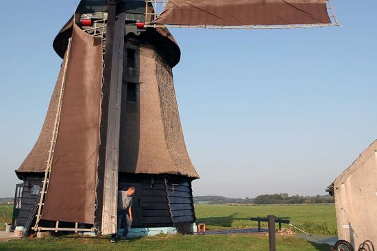 Eric Zwijnenberg and his windmill on the Wimmenumer Polder in Noord-Holland (photo © Diego Vivanco).