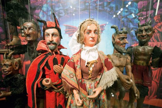 Puppets in the Plzeň puppetry museum (photo © Rudolf Abraham).