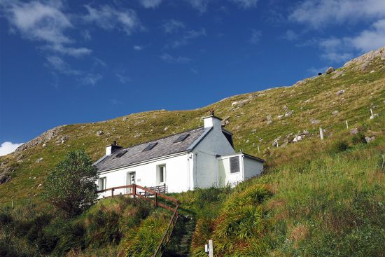 Hostel of the Gatliff Hebridean Hostels Trust (GHHT) at Rhenigidale, North Harris, Scotland (photo © hidden europe).