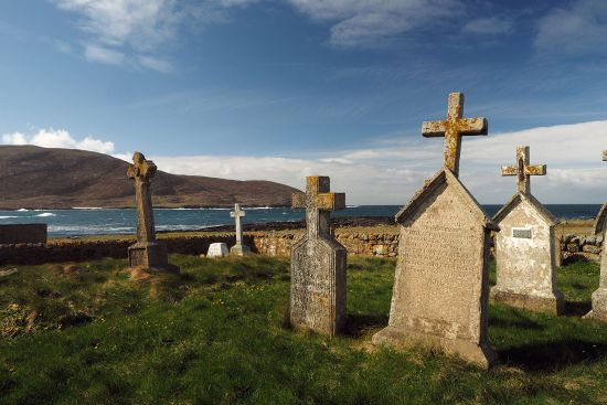 Old cemetery on Barra's west coast (photo © hidden europe).