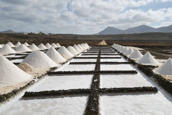Salt pans at the Janubio salt works on Lanzarote (photo © Diego Vivanco).