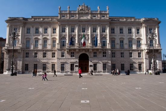The Lloyd Triestino building on Trieste's principal square, the Piazza dell' Unità d'Italia, is a reminder that the wealth of the city was based on its status as a major port (photo © hidden europe).