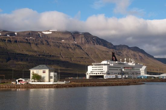 The Norröna at the Icelandic port of Seyðisfjörður (photo © hidden europe).