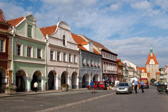 The oblong plaza that lies at the heart of Domazlice is typical of towns large and small across Bohemia (photo © hidden europe).