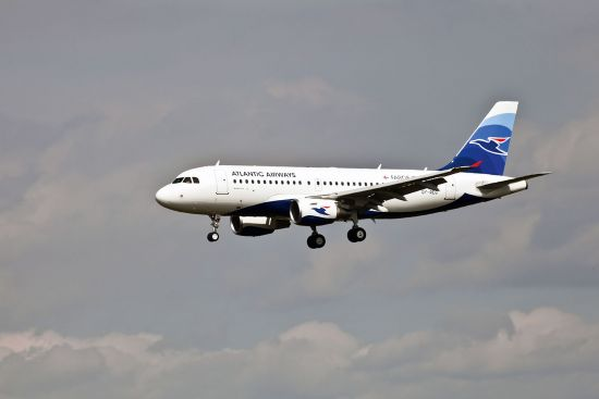 Atlantic Airways Airbus A319 landing at Copenhagen Airport (photo © Jens Fiskbaek / dreamstime.com).