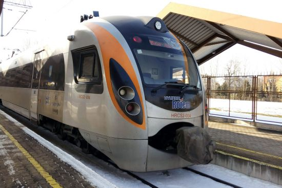 Ukrainian IC train at Przemysl station bound for Lviv and Kiev (photo © hidden europe).