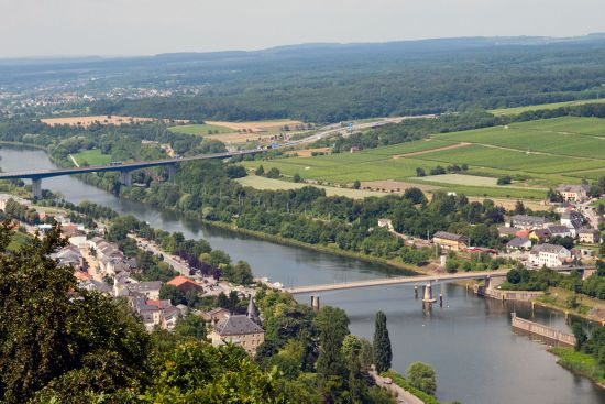 View from the Stroumberg, with the village of Schengen (Luxembourg) on the left, and the German village of Perl on the far bank of the Moselle river (photo © hidden europe).